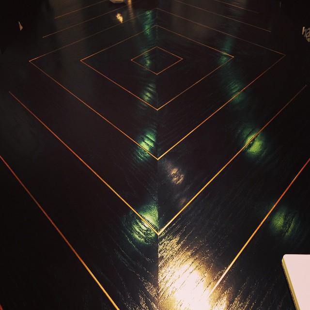 Custom table @kellylamb #westedgedesign #dimodapr #petergurskidesigninc #barkerhanger